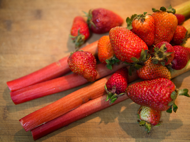 Recipe: Strawberry, Rhubarb and Ginger Cordial Strawberry Rhubarb Ginger